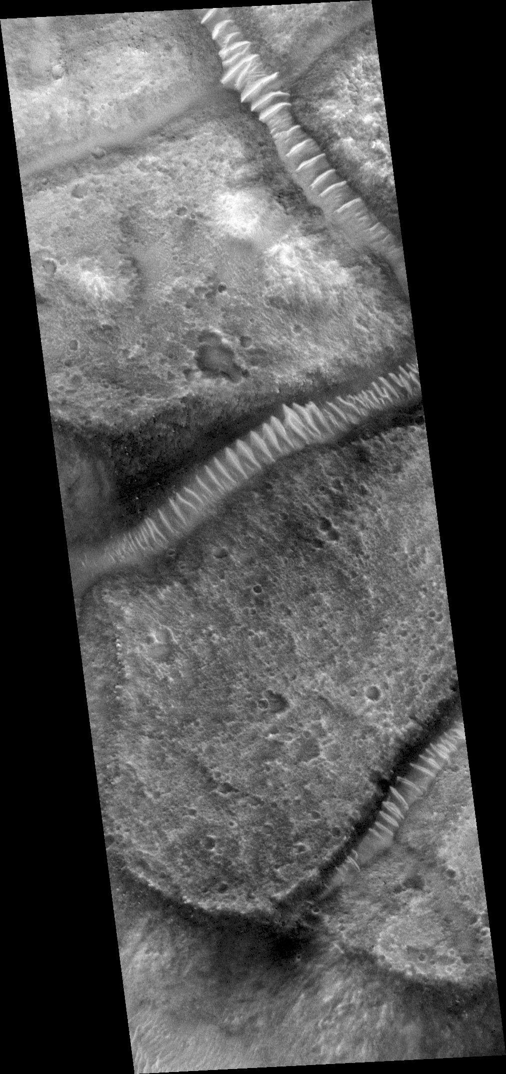 Γυάλινα τούνελ στον Άρη 6